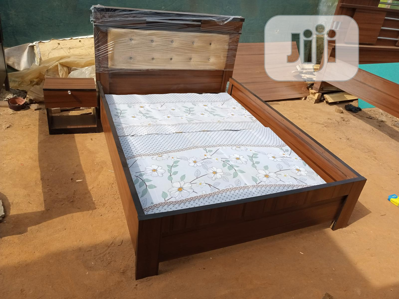 bedframes with bedside drawer queen s size 4 and half by 6ft