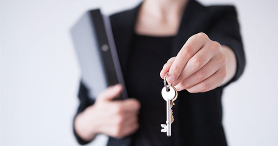 5 Reasons to Hire a Real Estate Professional When Buying or Selling!   Keeping Current Matters
