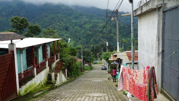 El Viejo Palmar no es la única comunidad ubicada en las faldas del volcán. BBC NEWS MUNDO