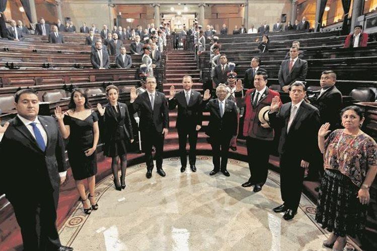 Ellos son los integrantes de la junta directiva que había elegido el Congreso de la República. (Foto Prensa Libre: Hemeroteca PL).