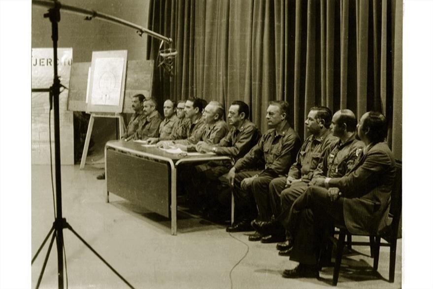 Kjel Laugerud, presidente de Guatemala, da conferencia de prensa el 5 de febrero de 1976. (Foto: Hemeroteca PL)