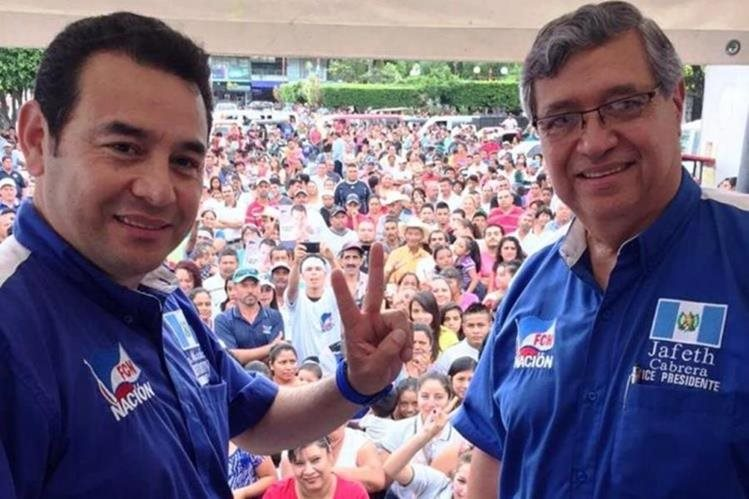 El binomio presidencial de FCN-Nación durante una gira de trabajo en julio de 2015 en El Progreso. (Foto Prensa Libre: Hemeroteca PL)<br />