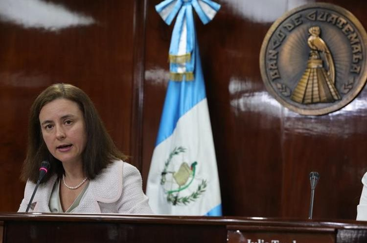 Esther Pérez Ruiz, jefa de Misión del Fondo Monetario Internacional. (Foto Prensa Libre: Estuardo Paredes)