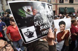 Resultado de imagen para Con música y rezos, fans e imitadores recuerdan a Juan Gabriel