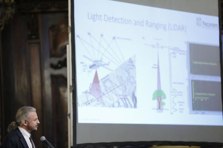 Marcello Canuto, director de Middle American Researh Institute (MARI) de la Universidad de Tulane, durante la presentación de los hallazgos de la Civilización Maya (Foto Prensa Libre: Ministerio de Cultura y Deporte