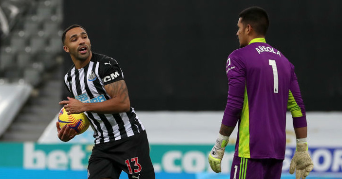 10-man Fulham frustrate Newcastle after penalty, red card drama