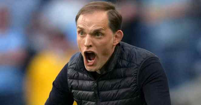 Chelsea manager Thomas Tuchel shotuing at his players during the Champions League final v Man City