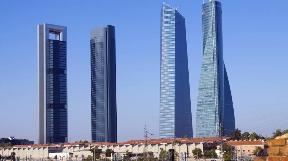 Torre Cepsa de madrid, a la izquierda, propiedad de Pontegadea.