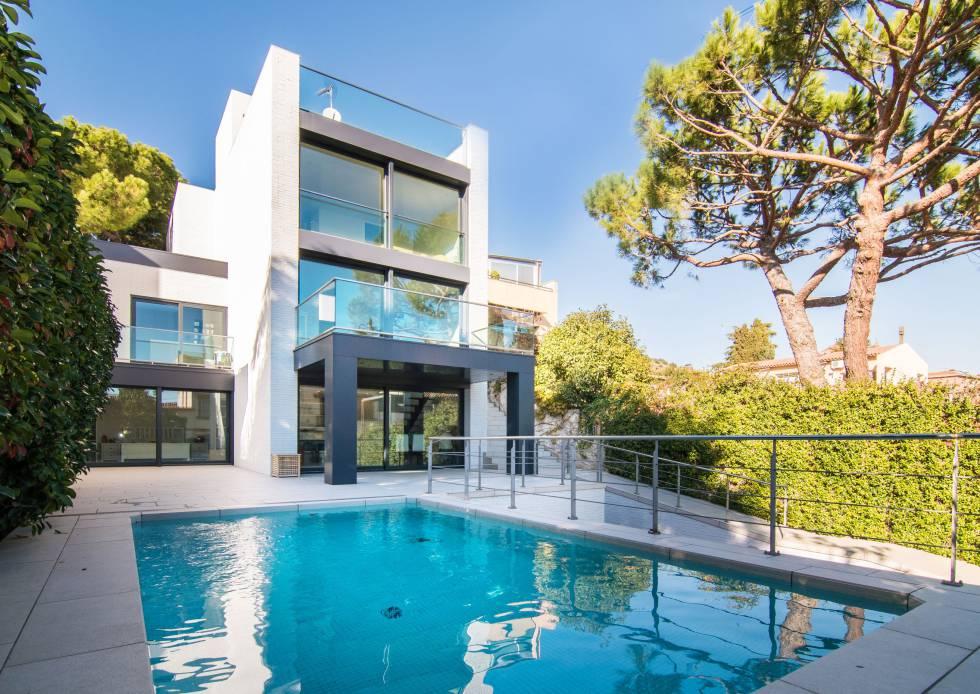 Inmueble en el barrio de la Bonanova, en Barcelona, gestionado por Engel & Völkers y valorado en 2,5 millones de euros.