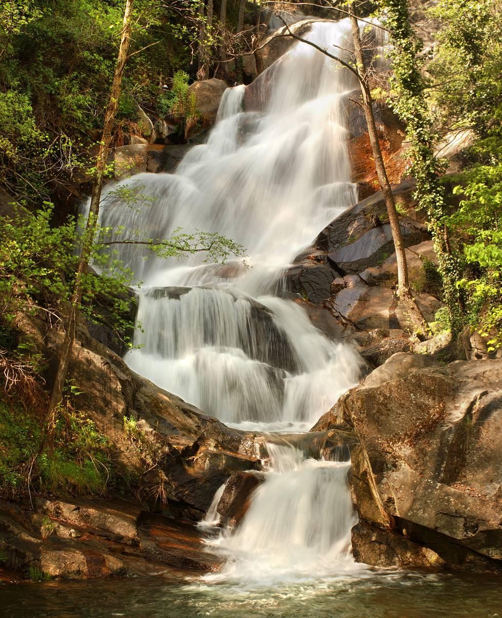 Salto de agua en el valle del Jerte.