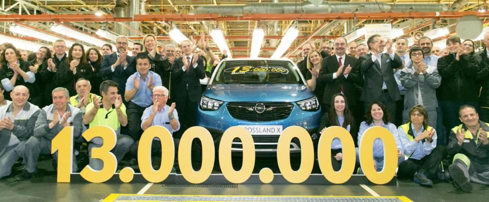 Opel España celebra el jueves la salida de la línea de montaje de su planta de Figueruelas (Zaragoza) del coche número trece millones, un Opel Crossland X