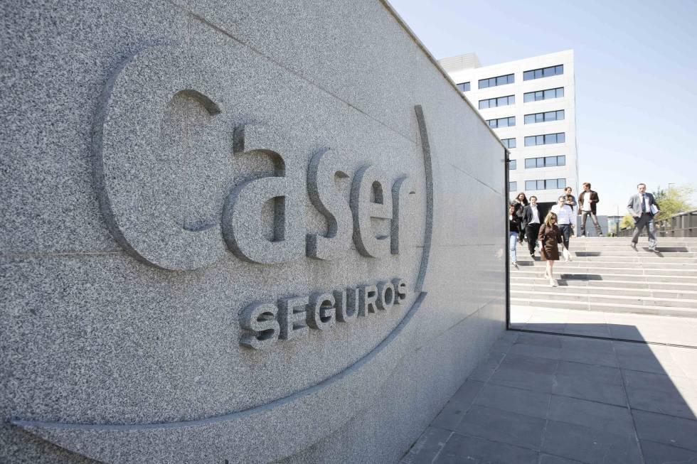 Las nueve empresas que sobrevuelan la Bolsa española