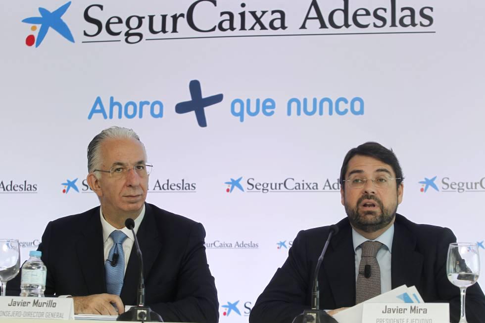 El presidente ejecutivo de SegurCaixa Adeslas, Javier Mira, junto a su consejero - director general, Javier Murillo, en una foto de archivo.