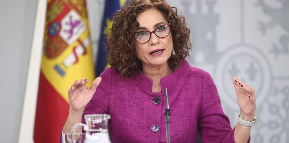 La ministra de Hacienda y Portavoz del Gobierno, María Jesús Montero comparece en rueda de prensa tras el Consejo de Ministros, en el Complejo de la Moncloa, en Madrid (España), a 28 de enero de 2020.rn