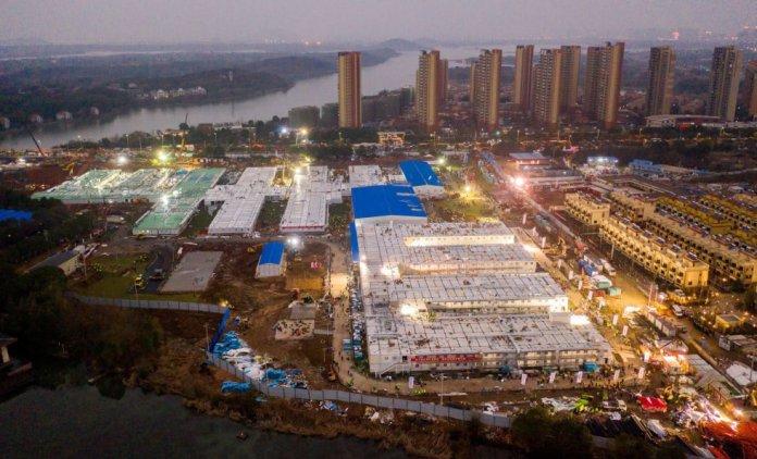 Vista aérea del Hospital Huoshenshan en Wuhan, China, ya finalizado. La construcción es una pieza clave en la propaganda oficial de cara a promocionar sus esfuerzos contra el virus en China y en el extranjero.rn
