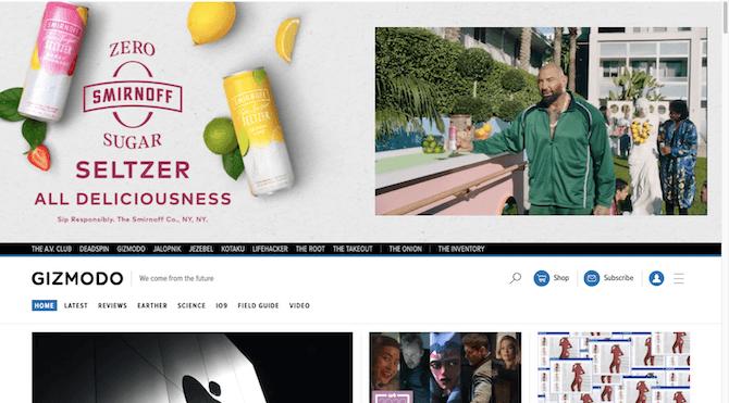 Gizmodo affiche une publicité surdimensionnée pour Smirnoff Zero en haut de sa page d'accueil.