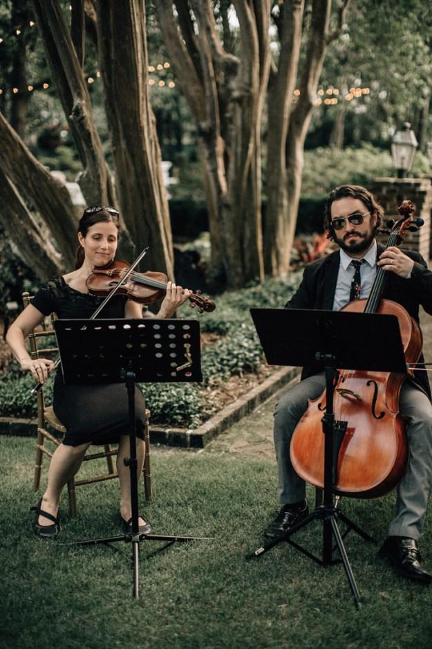 String musicians at wedding ceremony
