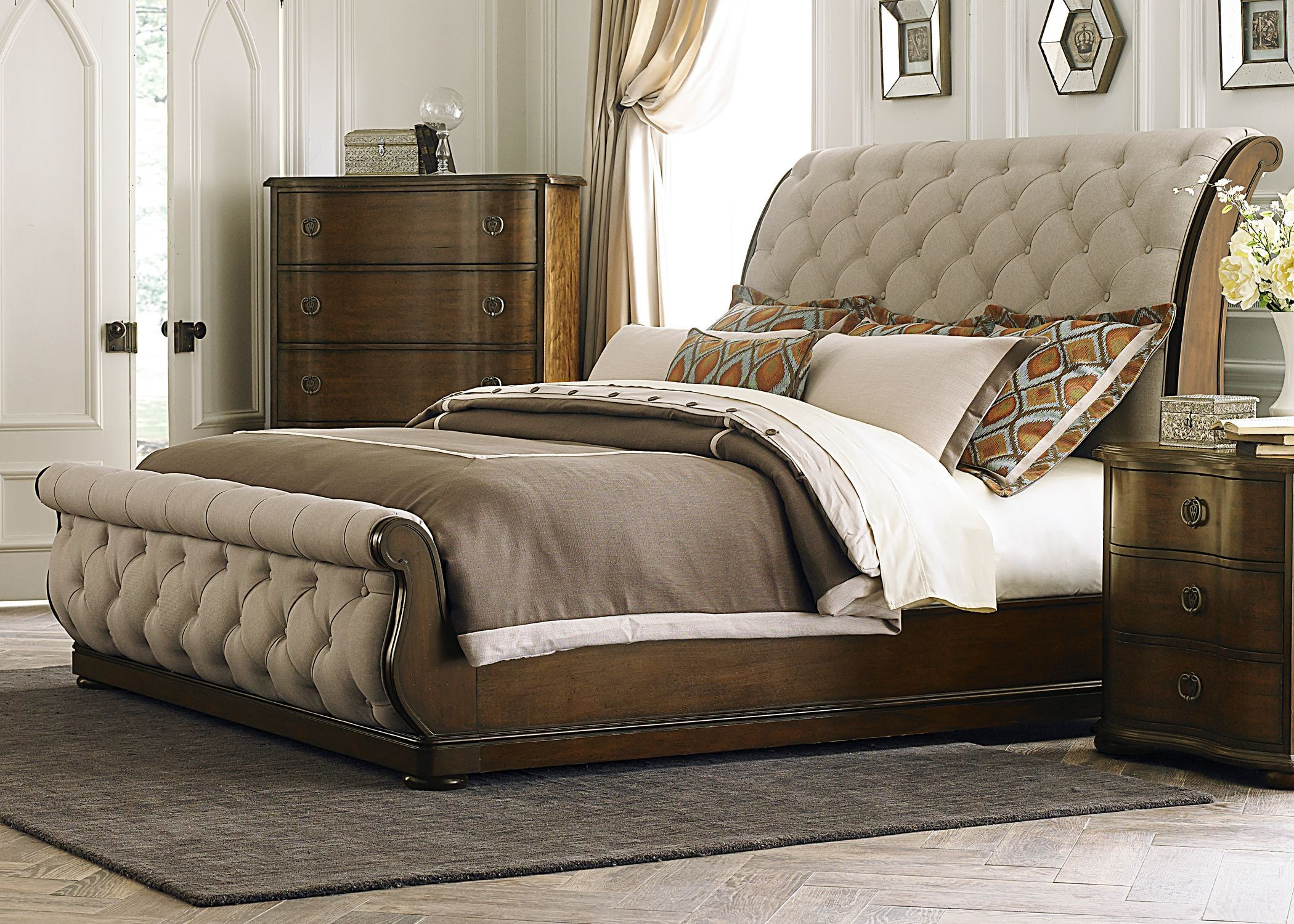 cotswold upholstered sleigh bedroom set from liberty (545-br-qsl