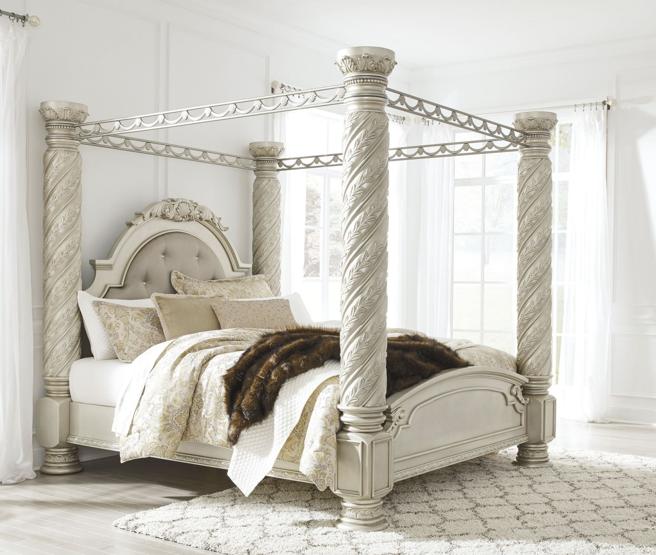 Cassimore North Shore Pearl Silver King Upholstered Poster