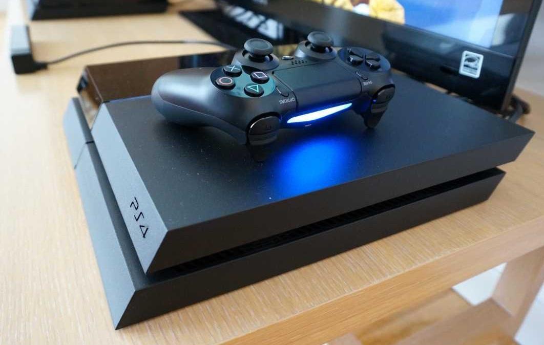 PS4 đạt doanh số 30,2 triệu máy sau 2 năm ra mắt