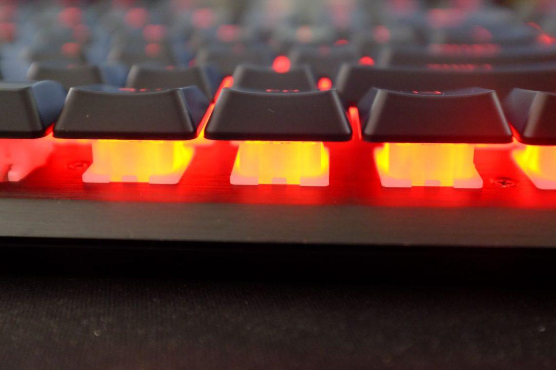 Corsair K60 Pro Mechanical Keyboard - Đánh Giá Gaming Gear