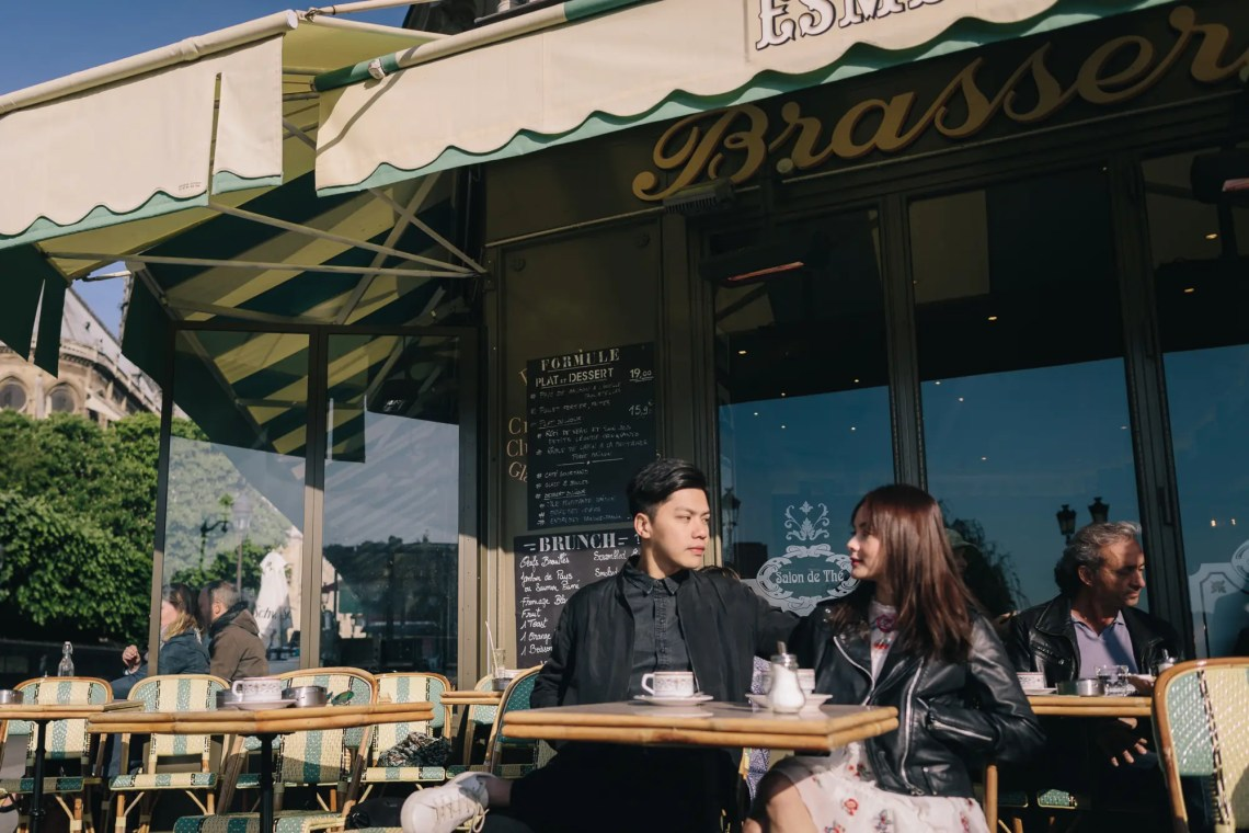 Morning stroll in Paris | Through The Glass Photography image 3