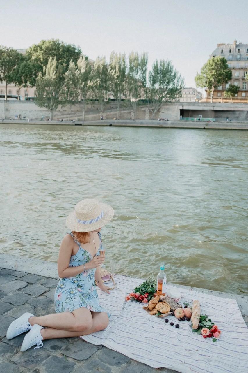 Picnic in Paris blogger Quai de Seine linhbaybong