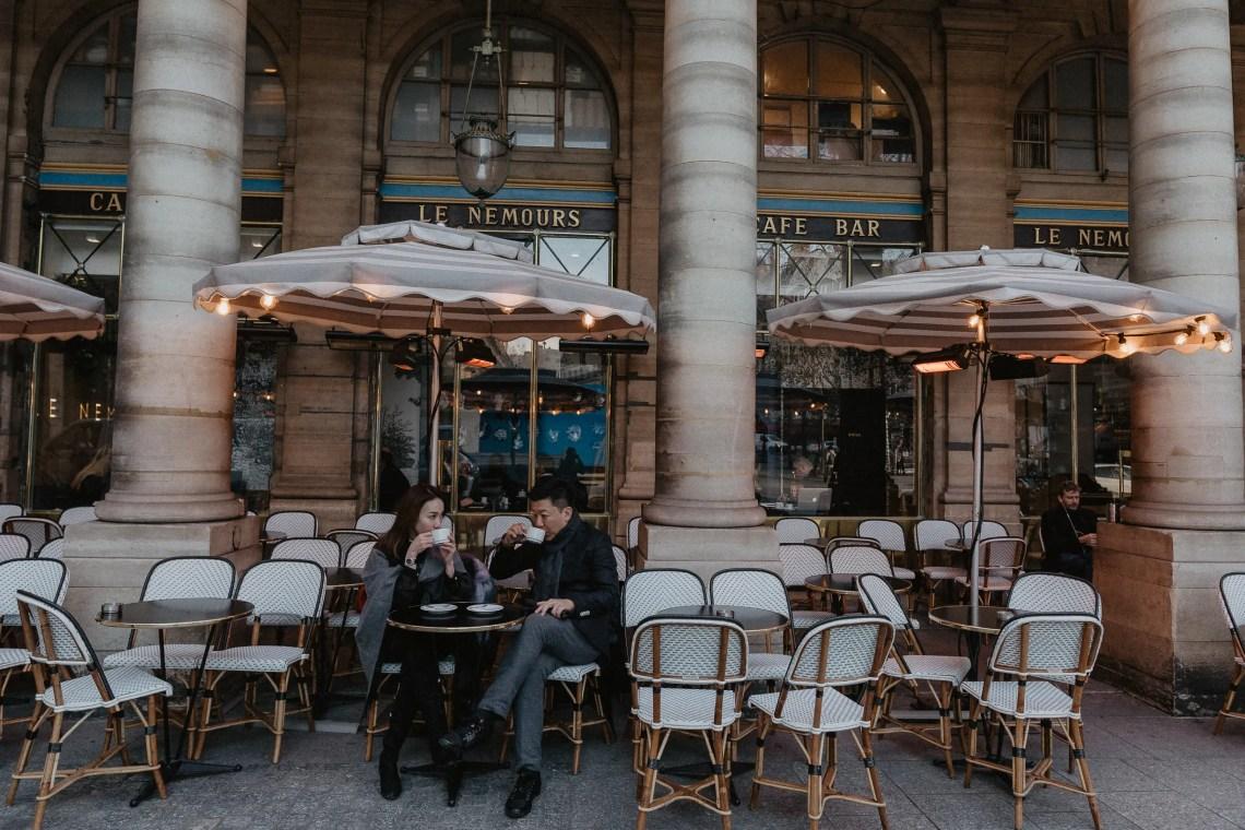 angelina jolie the tourist cafe