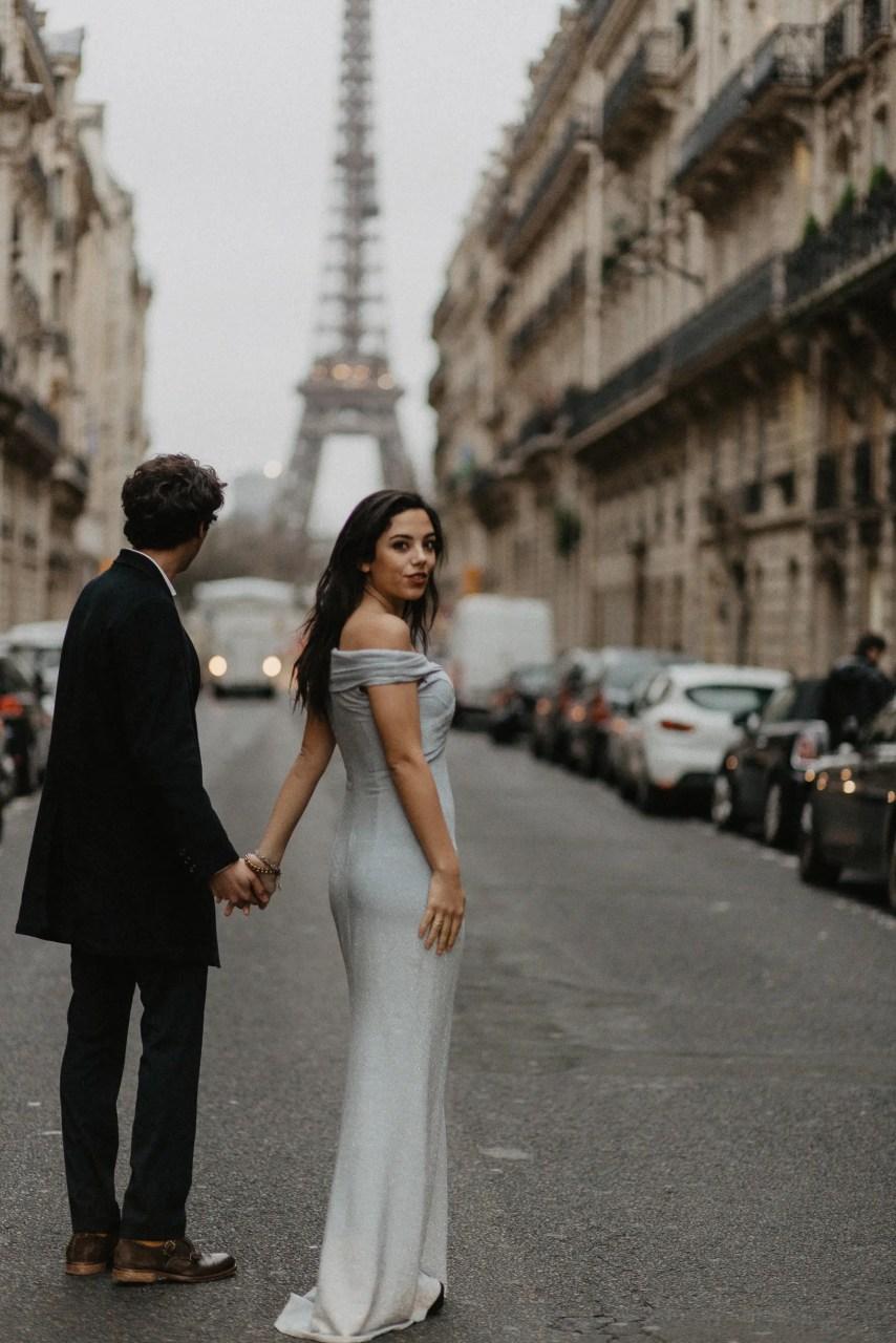 Italian couple Eiffel tower paris