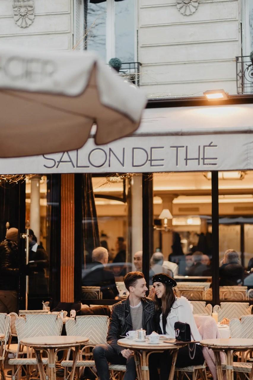 Fashion blogger photographer paris carette cafe