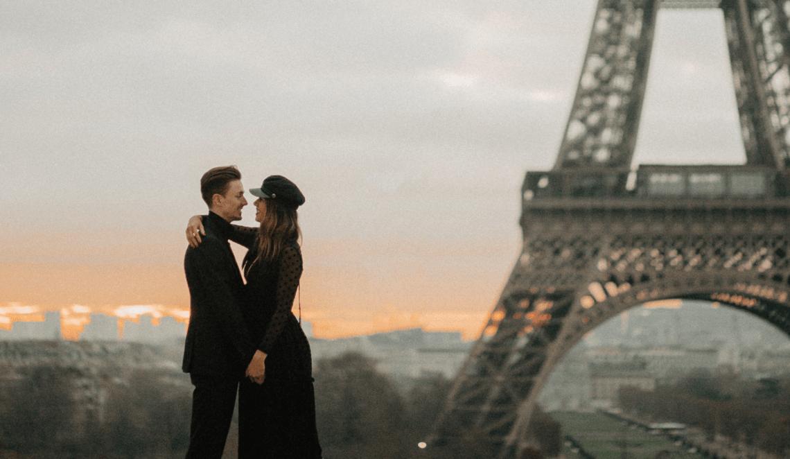 Fashion blogger photographer paris eiffel tower