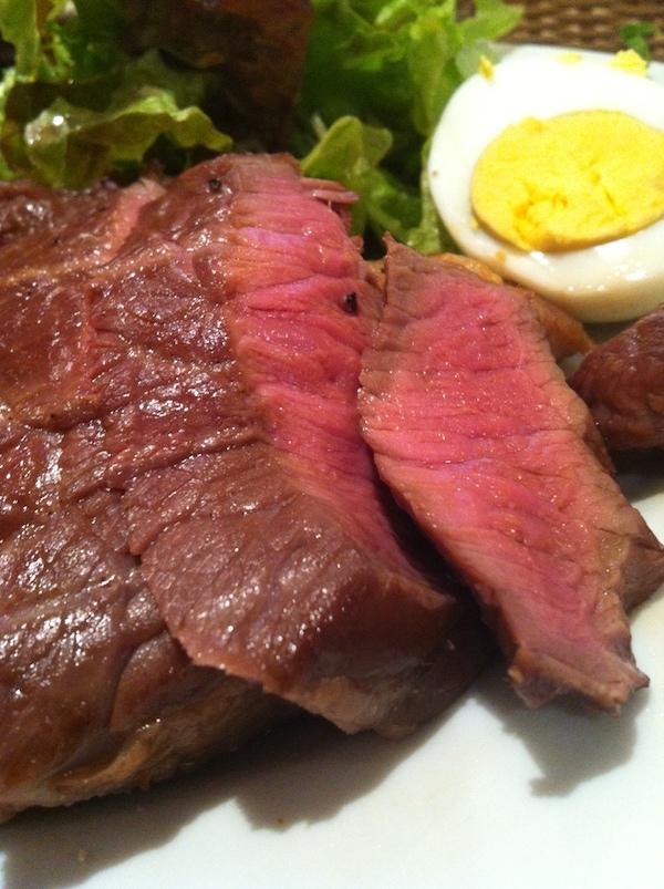 肉塊 UNO(虎ノ門)はダイエットに最適な食事方法を我々に示唆する
