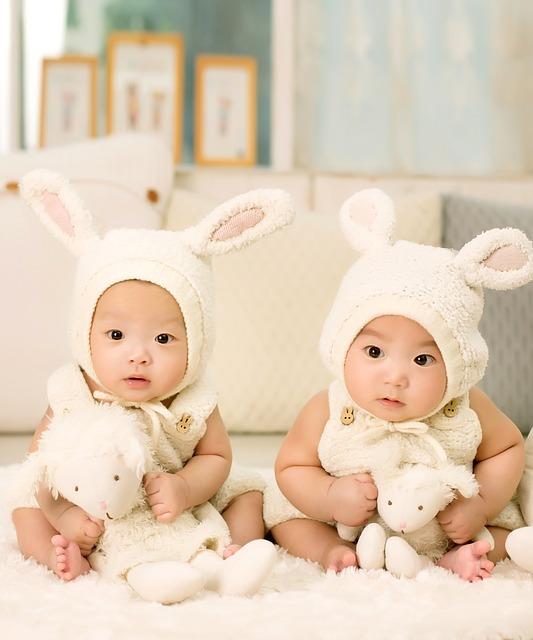 赤ちゃんの写真を飾る