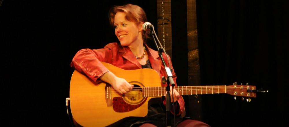 June Beltoft on stage Photo: Veronica Skotte, maj 2013