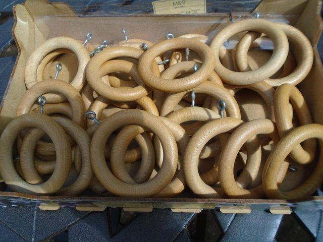 30 large wooden curtain rings light brown