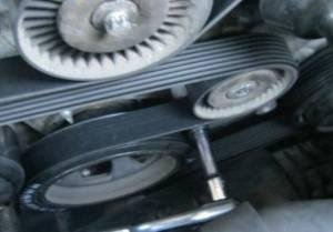 VIDEO: Change Serpentine Poly V Drive Belt & tensioner on a Mercedes Benz  Mercedes Medic