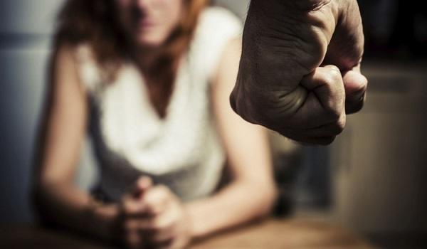 مرصد العنف ضد النساء.. 153 حالة عنف ضد فتيات وسيدات خلال 3 أشهر بينها 41 قتل أسري و17 اغتصاب و25 تحرش