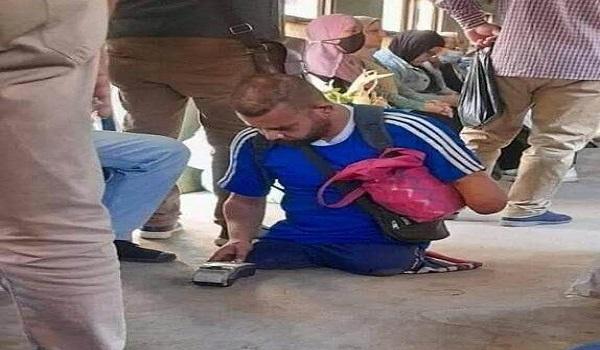 بعد تداول قصته على مواقع التواصل.. الحكومة تعلن التواصل مع بائع الكروت المعاق بالقطارات وتقديم الدعم له (صورة)