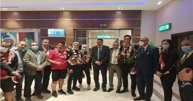 فيديو | استقبال حافل لهداية ملاك وسيف عيسى بمطار القاهرة بعد حصولهما على برونزيتي طوكيو في التايكوندو