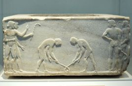 Relief_pentelic_marble_Ball_Players_510-500_BC,_NAMA_3476_102587