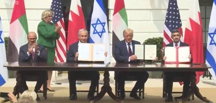تايمز الامريكية: اتفاقيتي التطبيع الإماراتية والبحرينية عرض تلفزيزني لإظهار ترامب كرجل حكيم بإخراج هزيل