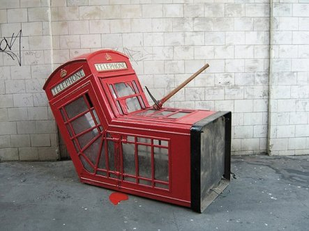 Art-Attack-phone-booth-5.jpg__600x0_q85_upscale