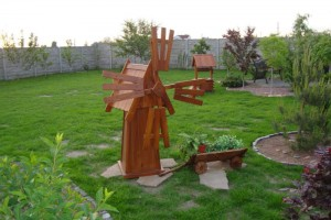 Поделки из дерева для сада и огорода своими руками: фото и ...