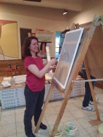 Andrea beim Malern