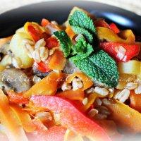 Insalata tiepida di farro con verdure allo zenzero