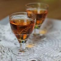 Liquore coi semi di mela