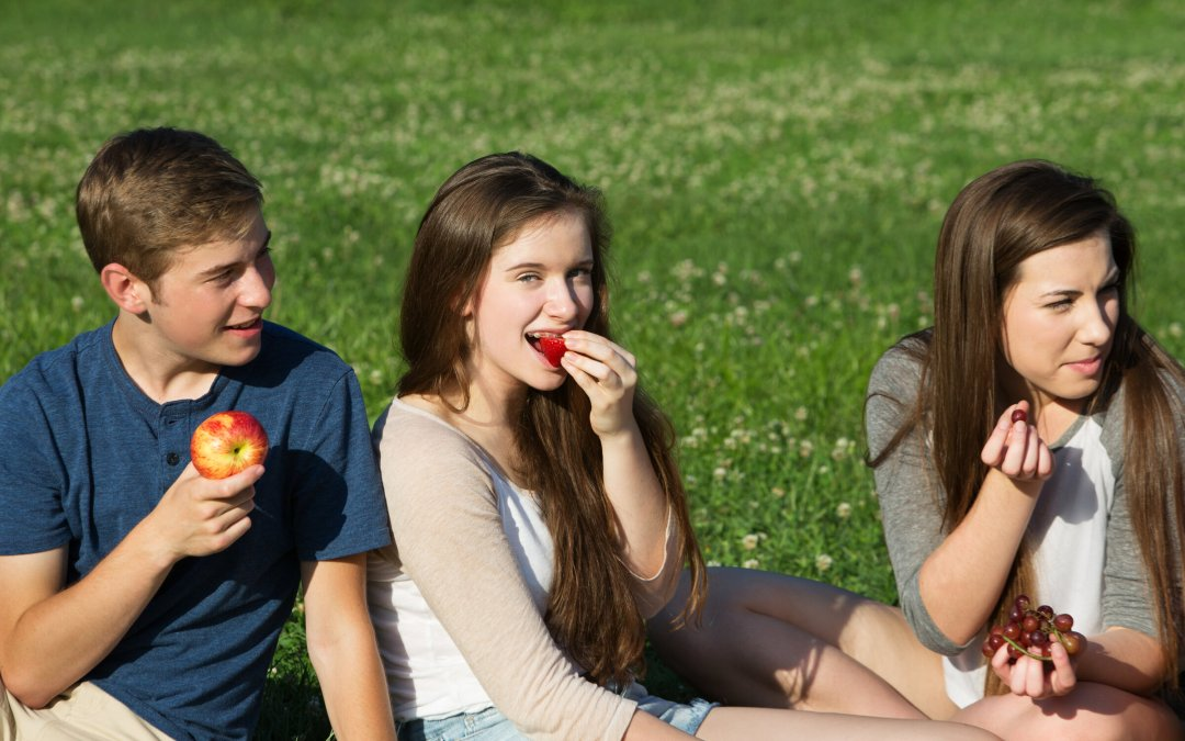 Help Your Teenager Eat Well With These 5 Lunchtime Tips
