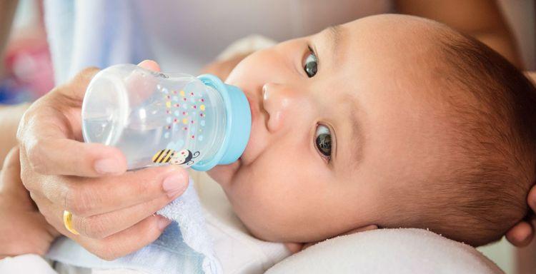 shutterstock_536935291.jpg_1-1024x524 Сколько воды нужно пить в день ребенку?
