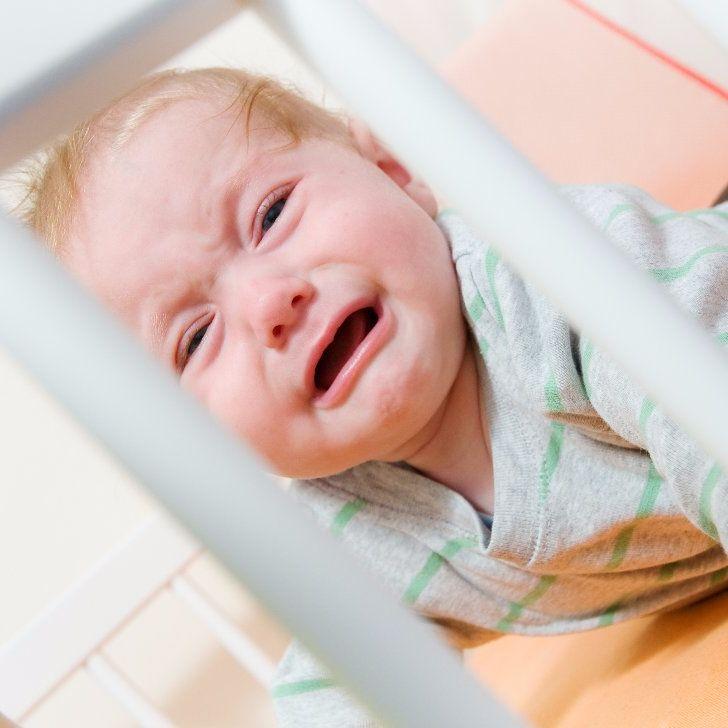 Mother-Breaks-Day-Care-Center-After-Baby-Left-Alone Пять вещей, которые НЕЛЬЗЯ делать с малышами.