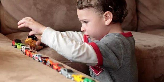 Ранние признаки аутизма у детей